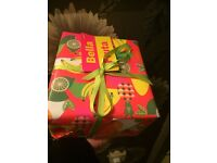 Fruity bath bomb gift wrapped set