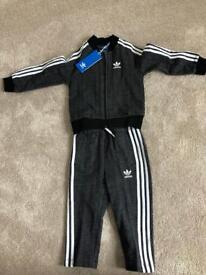 Brand new infants Adidas tracksuit size 18-24 months