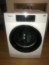 Washing machine, Whirlpool FSCR90430, immaculate nearly new.