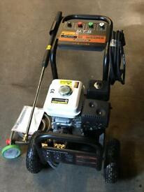 Brand new 6.5hp 2700psi Pressure / Power washer. Tools
