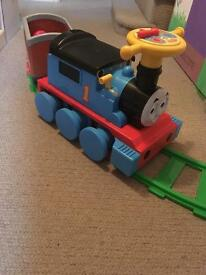 6V Thomas ride on with track