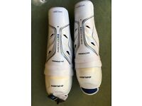 Men's Bauer Nexus N7000 ice hockey shin guards. BRAND NEW WITH LABELS. Men's