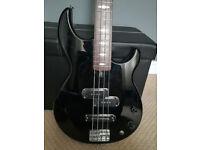 Yamaha BB424 Bass Guitar, Gig Bag and Pedal