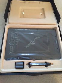 Wacom Intuos Pro Medium Graphics tablet in as new condtion,