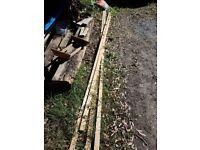 free wood battens (4 x )