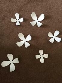 Flower wall decorations - white