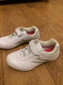 Girls / ladies Trainers Size 5
