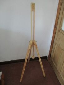 ARTIST WOODEN TRIPOD EASEL IN VERY GOOD CONDITION