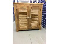 SOLID MANGO WOOD UNIT IN VERY GOOD USED CONDITION FREE LOCAL DELIVERY AVAILABLE 07486933766