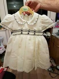 Little cream dress with navy detaling
