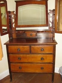 Edwardian Dressing Table with Fretwork Decoration and 3 Mirrors
