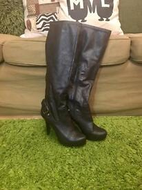 Brown women's boots Size 5