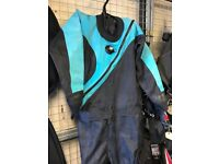 Men's Medium DUI TLS dry suit
