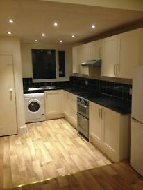Large double room in spacious house. No agency fees