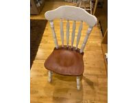 Set of 4 charming wooden chairs for dining room