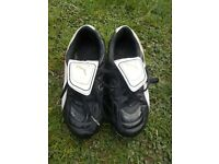Kids Puma football boots (size 13)