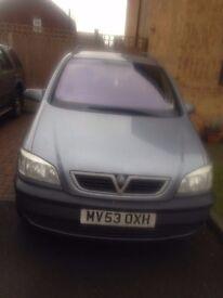 Silver Vauxhall zafira 1.8 16v