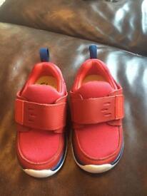 Clark's Boys Shoes size 5G