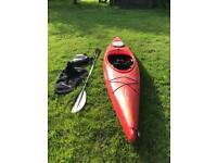 Dagger Blackwater 10.5 Kayak with paddle, life jacket and skirt