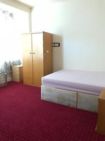 A spacious double room to rent in Barking/ ILFORD £500 per month, exclusive offers!!
