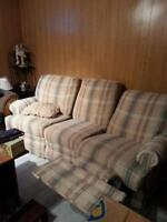 Couch with 2 recliners