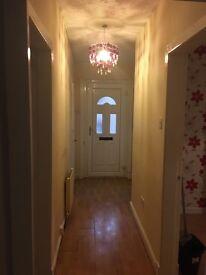 3 bedroom lower cottage flat- CARDONALD glasgow