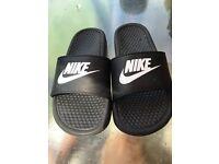 Nike sandles size 5