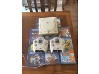Sega Dreamcast [Working] + 11 Games + 2 Controllers