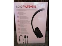 Beats solo 3 wireless headphones - Part of the Apple Uni package...