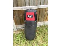 Lonsdale punch bag + gloves