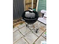 Weber bbq 57 cm with temp