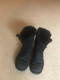 Genuine uggs : size 3