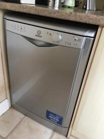 Indesit DFG 15B1 S Dishwasher in silver