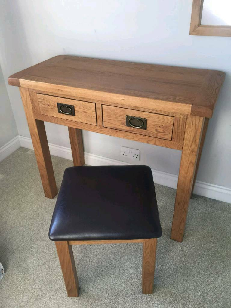 Dressing Table Chairs And Stools: Oak Dressing Table And Chair