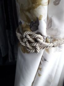 2 pairs Lovely neutral curtain tie backs