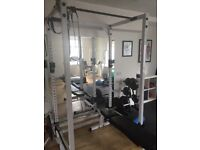 Weightlifting frame for bench press and squats