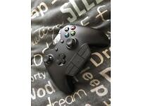 Xbox one controller with adapter and play and charge kit