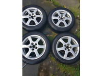 4 OZ 17in Wheels with good tryes, taken off Astra, good tyres.