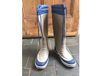 Plastimo yachting boots size 5