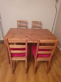 Ikea dining table and 4 chairs £30