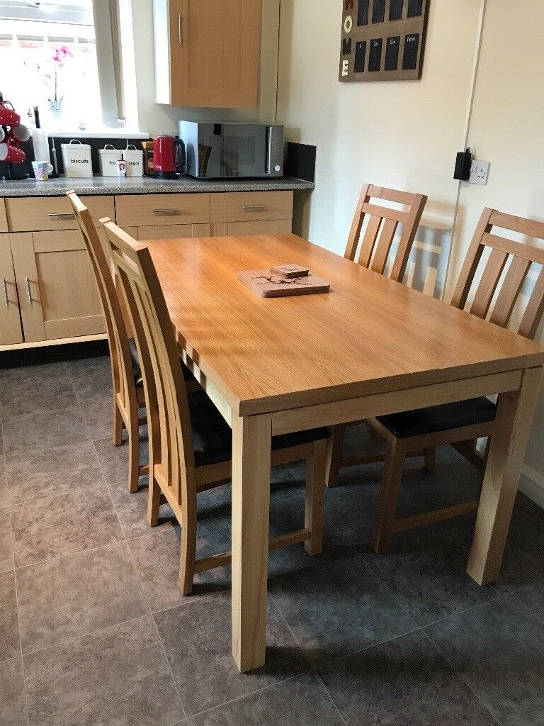 Dining Table And 4 Chairs Excellent Condition