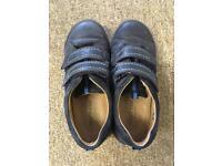 Boys shoes 11.5 G