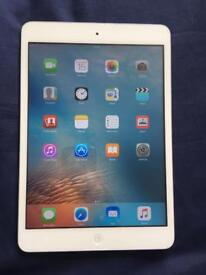 iPad mini 1 silver Good Condition Fully working