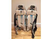 GM 606 Batting Pads - RH Youth