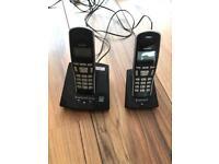 Phones twin set