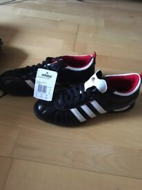 Size 8 1/2 Adidas Questra iv AstroTurf boots