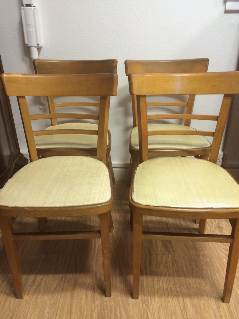 Set of 4 vintage light oak chairs