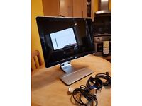 HP Pavilion w2207 LCD wide-screen flat panel monitor