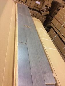 Plancher bois franc gris seulement 2.75$/pc