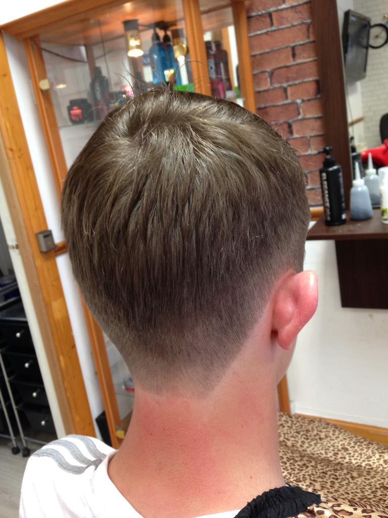 Barber jobin Kilmarnock, East AyrshireGumtree - Looking for a barber to work in Greenock or kilmarnock 4 5 days a week Experience barber please not dog groomers